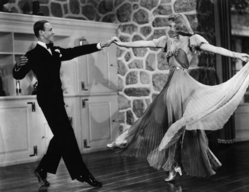 Ginger-Rogers-and-Fred-Astaire-ginger-rogers-14574694-500-386.jpg